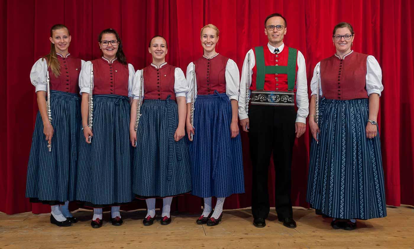 Musik Kapelle Mühlwald: Querflöten und Oboen